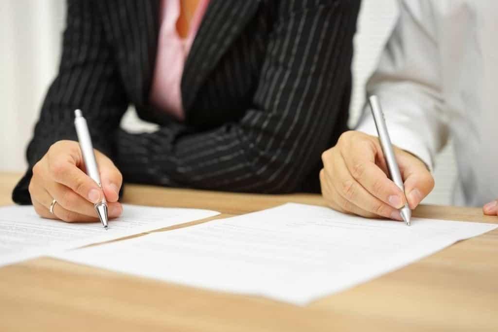 06 thay đổi doanh nghiệp thẩm định giá phải thông báo Bộ Tài chính